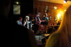 Maimztet Tartu jazzklubi laval / foto: erakogu